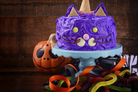 purple cat Halloween cake