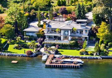 Bill Gate waterfront home in Medina WA